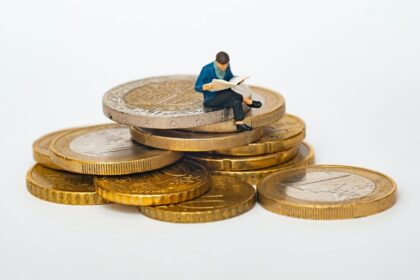 5 Common Money Mistakes Young People Make by FundsLord