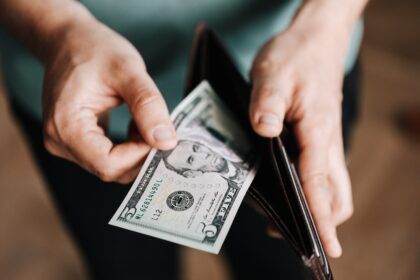 9 Signs You Are Overspending Your Budget